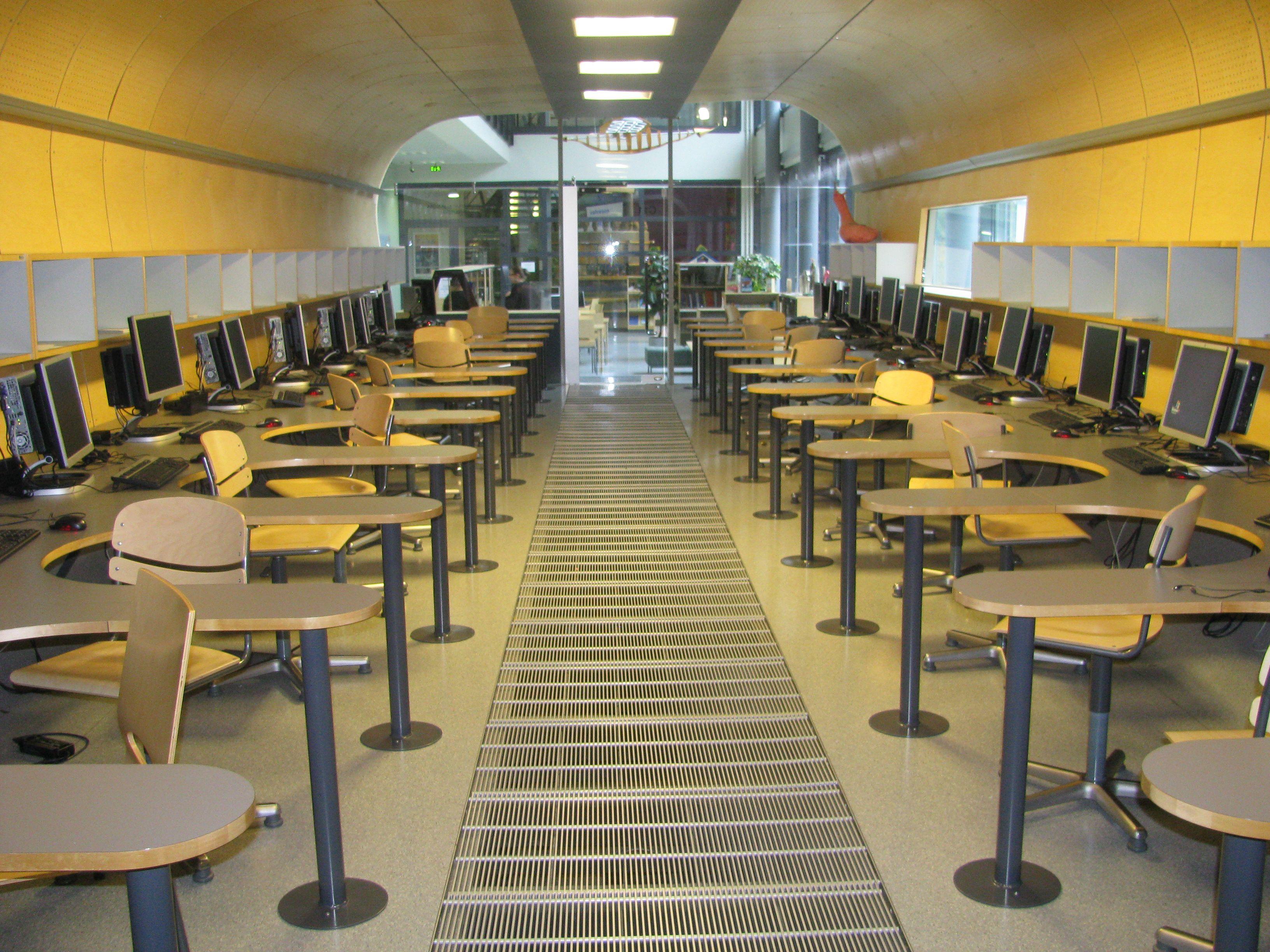 The inside of the kursk computer room at kaakkuri school