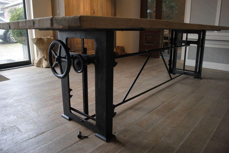 In hoogte verstelbare industriele tafel de eetkamer for Tafel hoogte