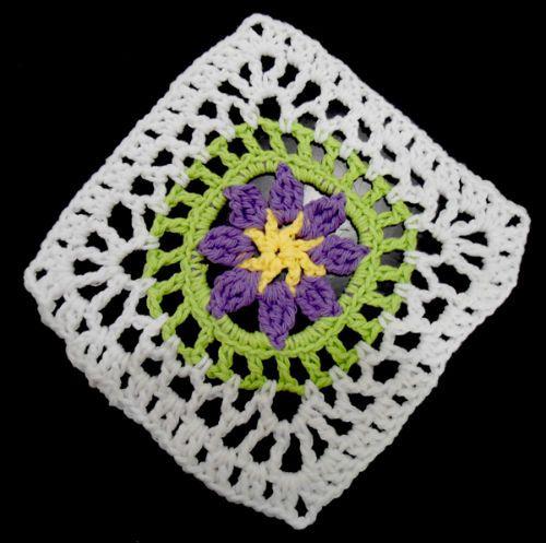 Best Free Crochet » #311 Flower in Circle Crochet Dishcloth – Maggie Weldon Maggies Crochet