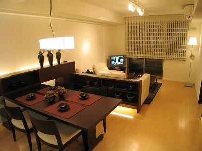 縦長リビングの家具配置 , インテリアコーディネート , 専門家プロファイル 細長いリビングの家具