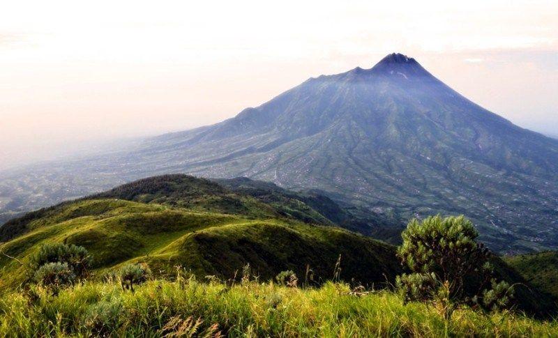 Kenampakan Alam Dan Buatan Di Indonesia Pemandangan Alam Indonesia