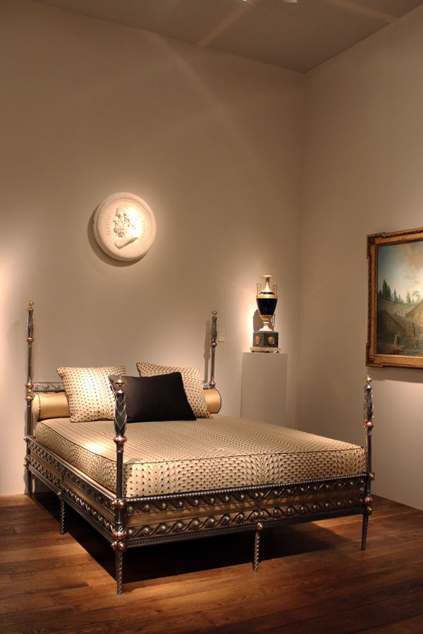 TEFAF 2017 - Gallerie Perrin four-poster bed