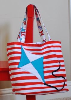 Tutorial: Dr. Seuss-inspired tote bag By Craft Gossip