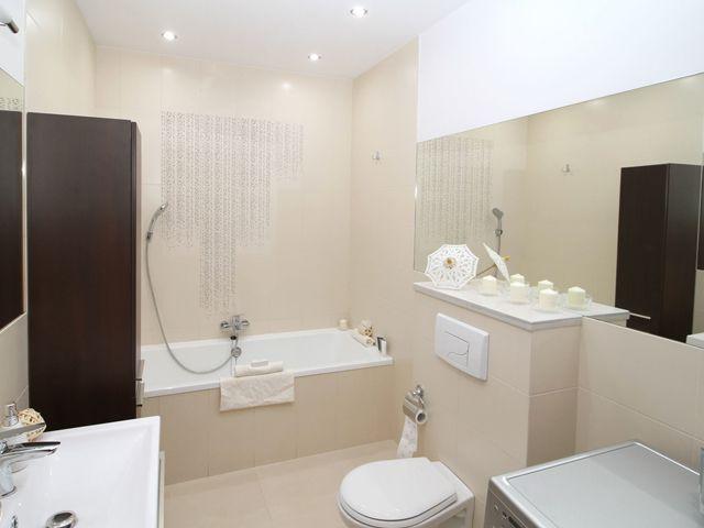 ¿Cómo cambiar la silicona del baño?   Diseño de baños ...