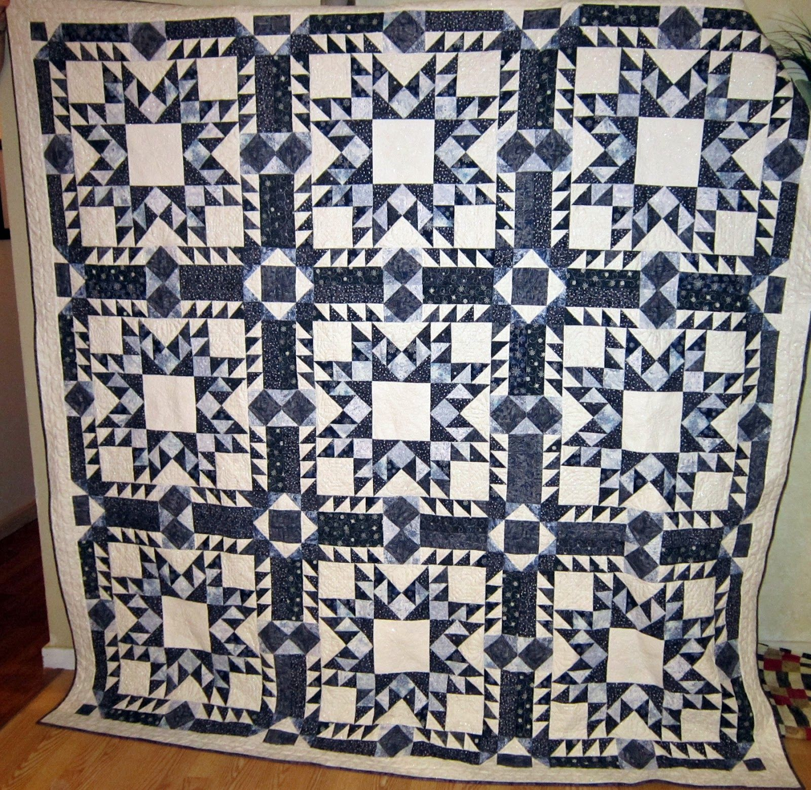 Gray and white quilts blizzard in blue or finally the blue and white quilt is done