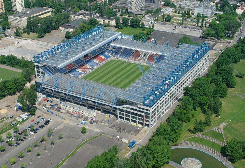 Estadio Henryk Reyman (en Polaco Stadion Miejski im. Henryka Reymana también conocido estadio municipal de Cracovia) es un estadio de fútbol, situado en la ciudad de Cracovia, Polonia. El estadio es sede del club Wisła Kraków y lleva el nombre del ex jugador de fútbol del Wisla, Henryk Reyman. Capacidad 33.268 espectadores.