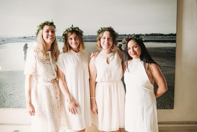 demoiselles d'honneur en blanc mariage bleu et blanc sur Trendy Wedding • Sara Lobla photography