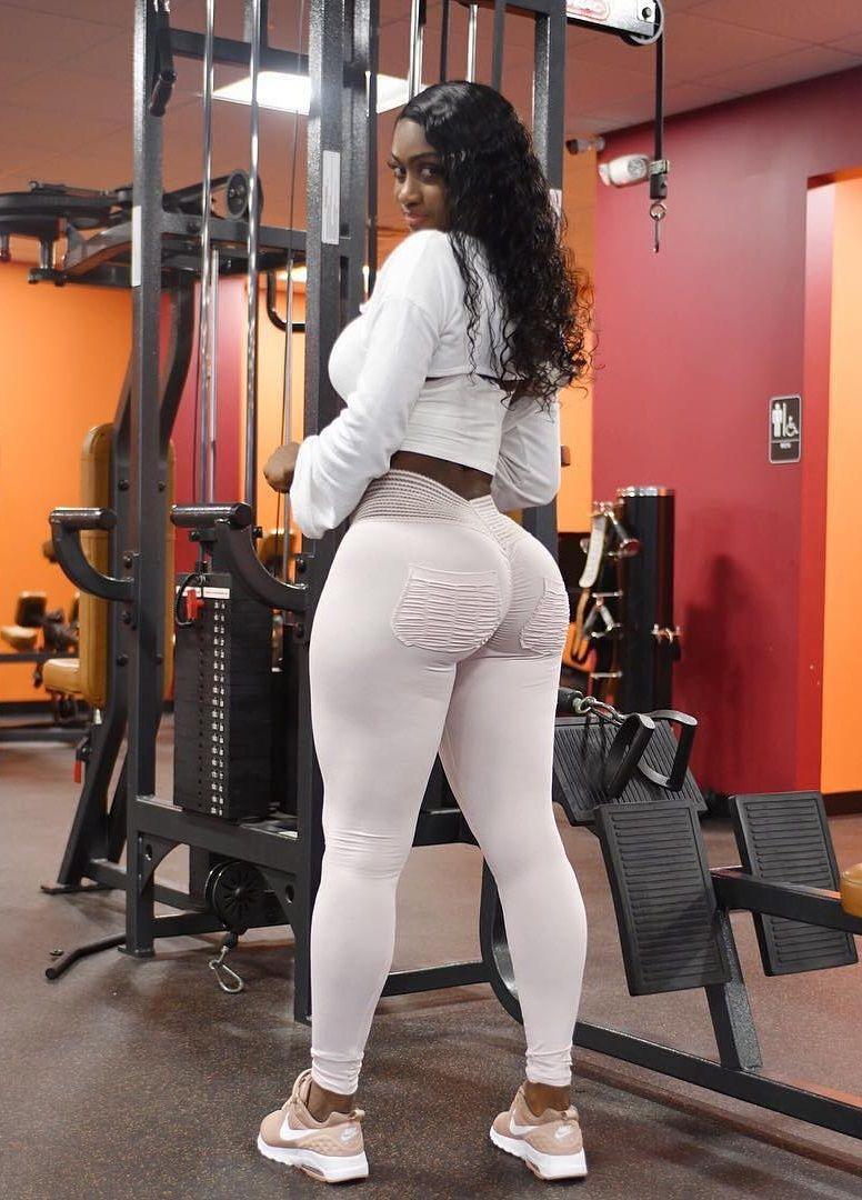 Big Butt White Girl Twerk