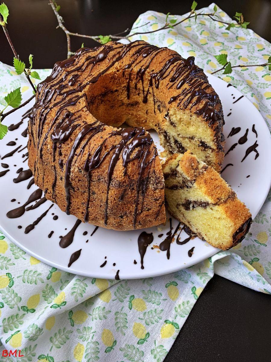 Photo of Buttermilch-Ringkuchen mit Nüssen und Eierlikör