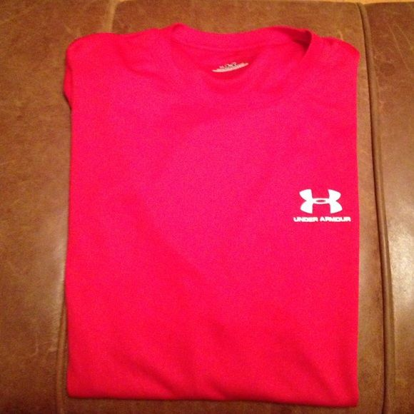 Red Under Armour R Under Armour T in excellent condition Under Armour Tops Tees - Short Sleeve