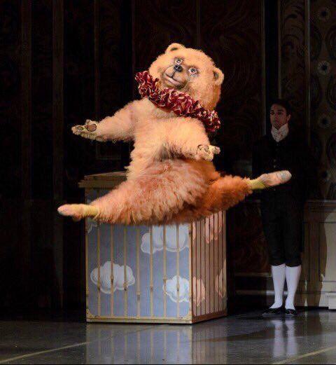 ボストンバレエ団のクマ2 バレエ 面白いタトゥー クマ