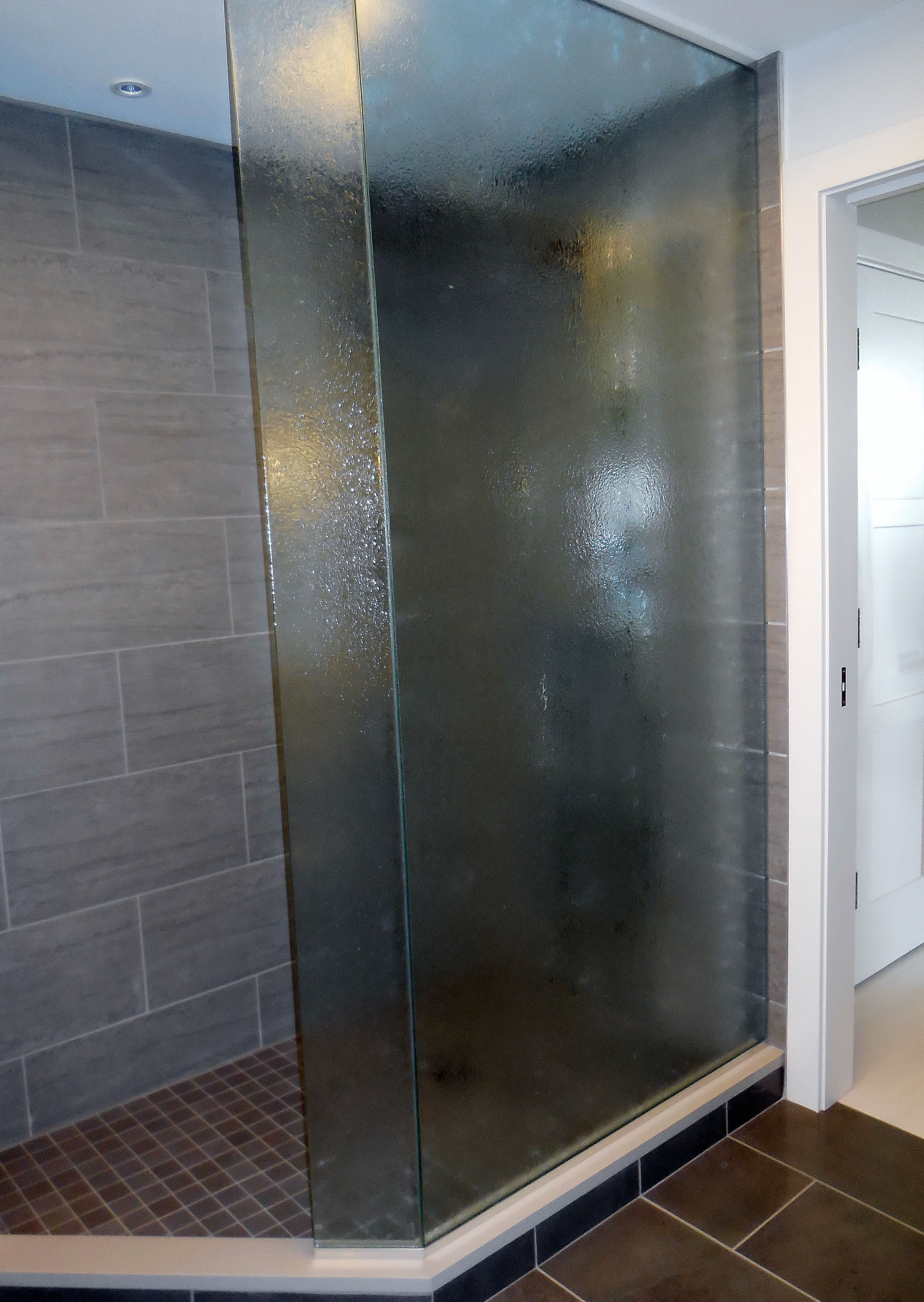 Walk In Frameless Shower Enclosure Splash Guard With Rain Glass