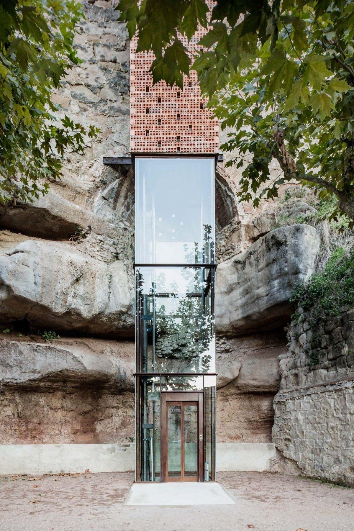 Carles Enrich Arquitectura Urbanisme Brick And Glass Elevator