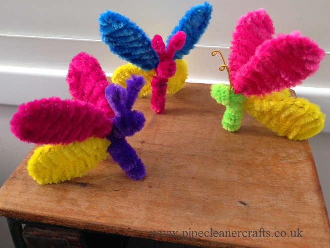 Pipe cleaner crafts & Pipe cleaner crafts | Crafting with pompoms and pipe cleaners ...