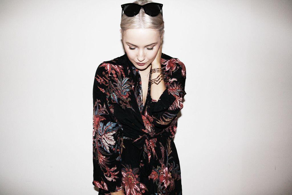 photo fashion fade first and i kimono