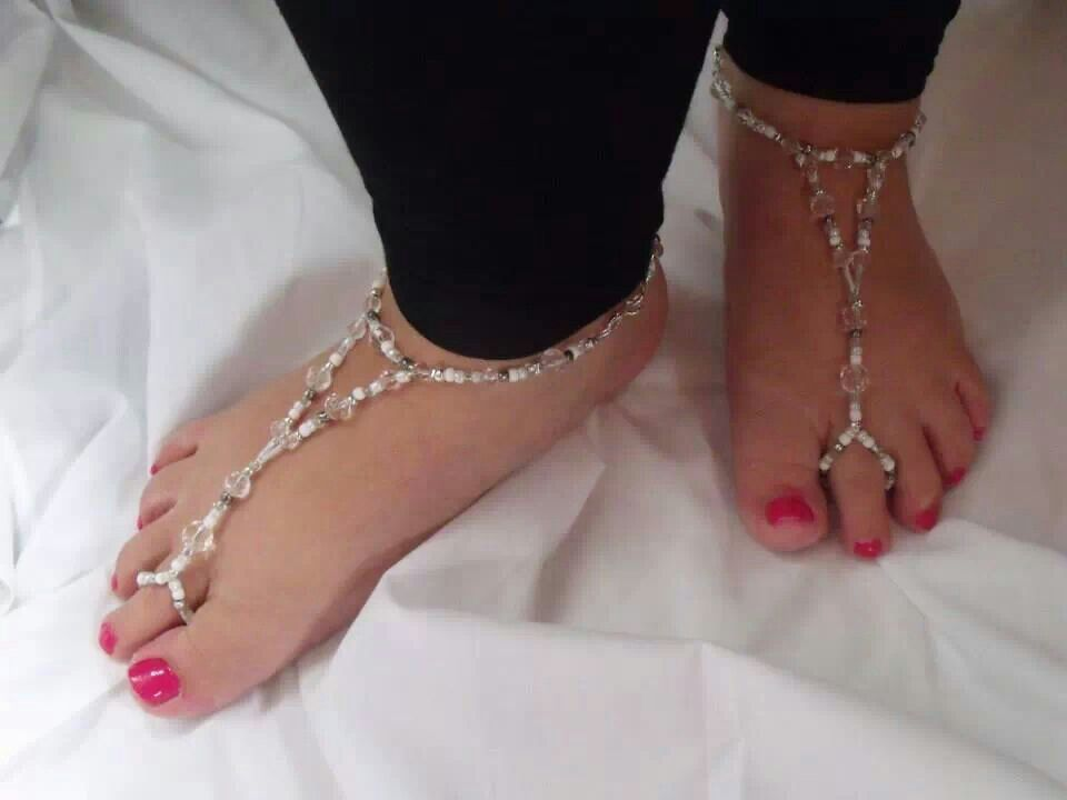 Gorgeous barefoot sandals, I need these for the summer! Available from: https://m.facebook.com/photo.php?fbid=631205560249413&id=269144016455571&set=a.334988496537789.67736.269144016455571&source=48