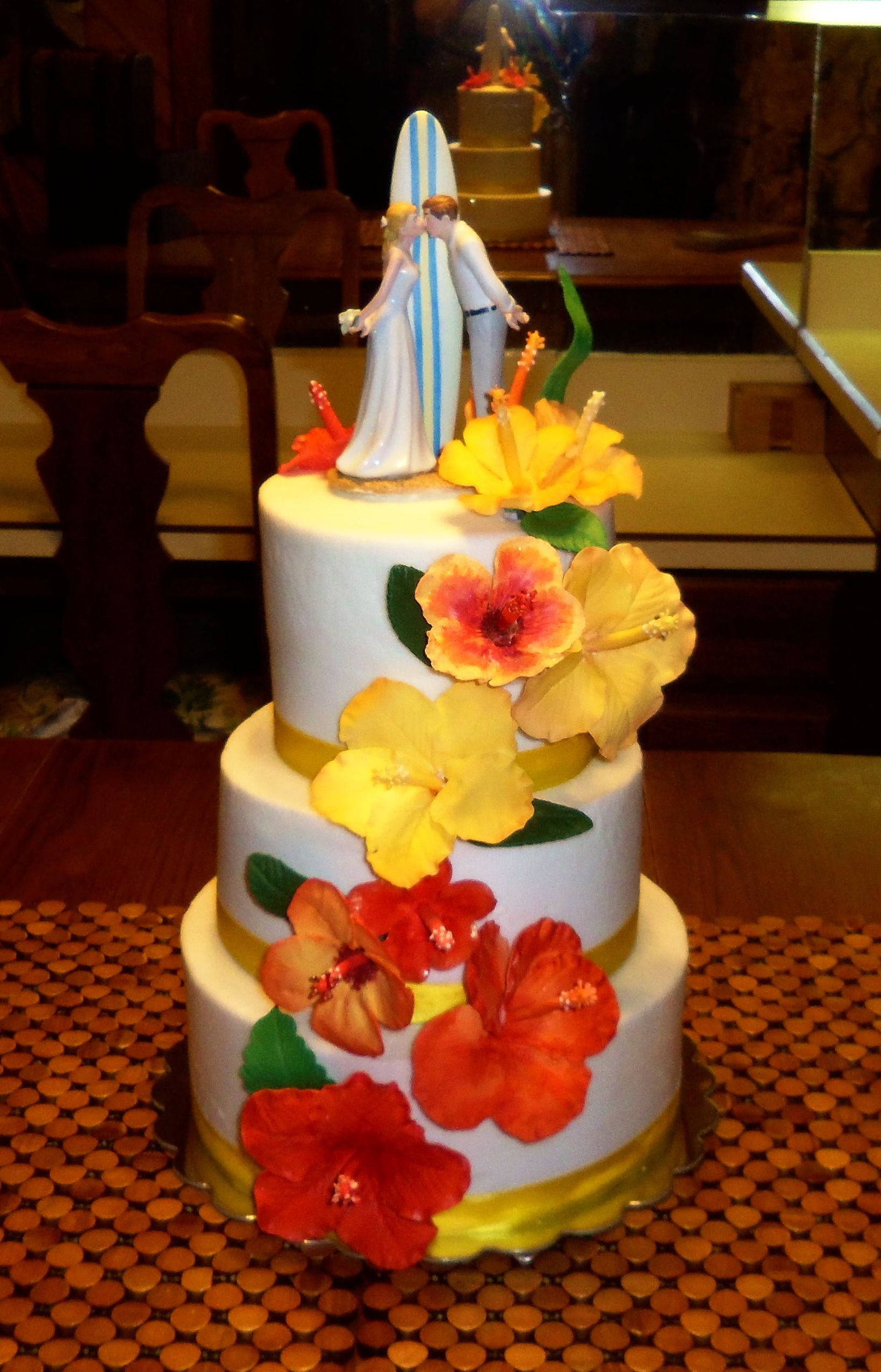 Beach themed wedding cake with gumpaste hibiscus flowers www ...