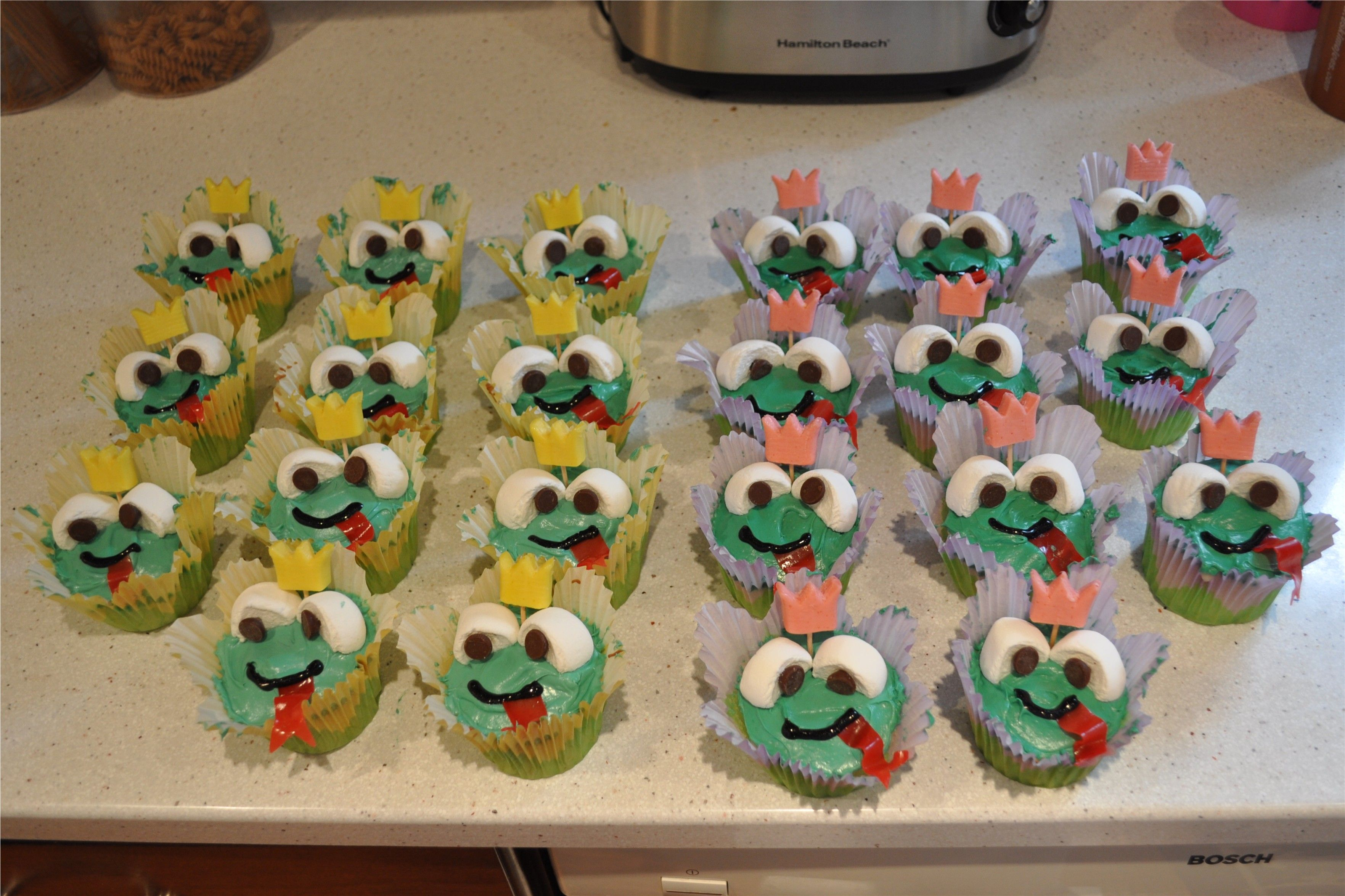 Frog cupcakes - starburst, marshmallows, chocolate chips, and fruit roll-ups