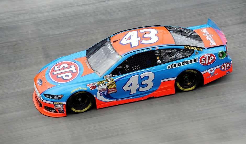 Photos: Best NASCAR Sprint Cup Series paint schemes of 2014 ...