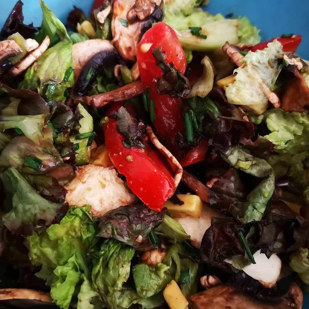This time again conjured a salad ... At the temperatures exactly the right one This time again conjured a salad ... At the temperatures exactly the right one