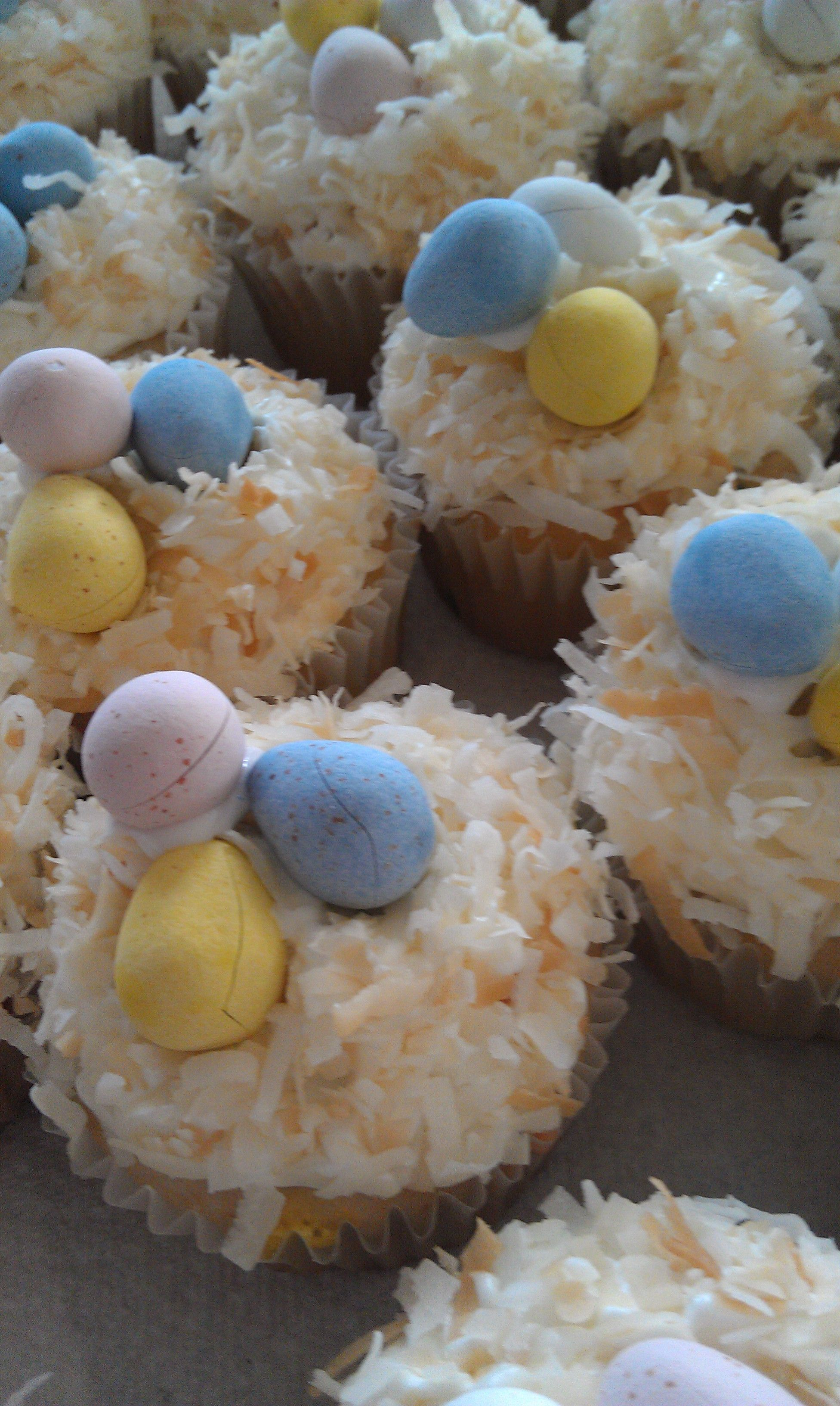 Easter cupcakes for 1st grade.