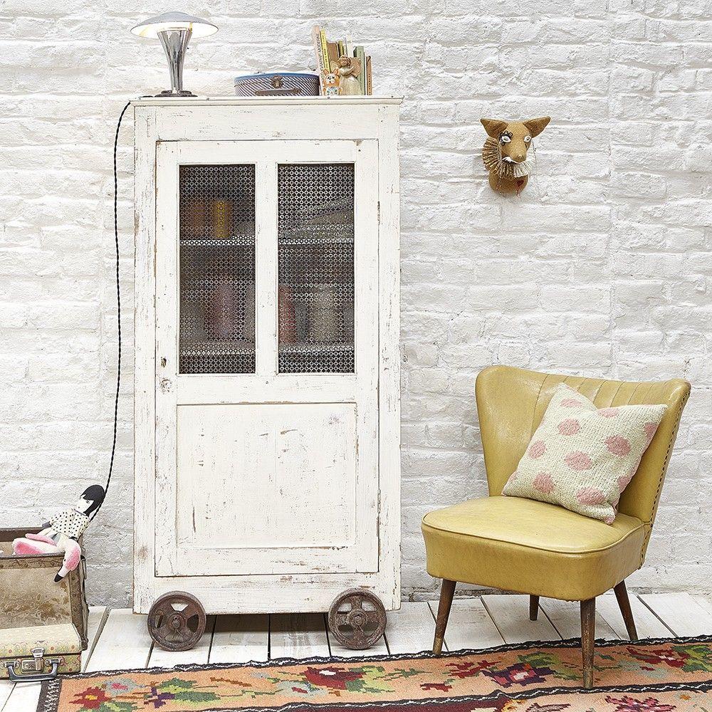 ancienne armoire roulotte mobilier vintage d co vintage pinterest armoires mobilier et ancien. Black Bedroom Furniture Sets. Home Design Ideas