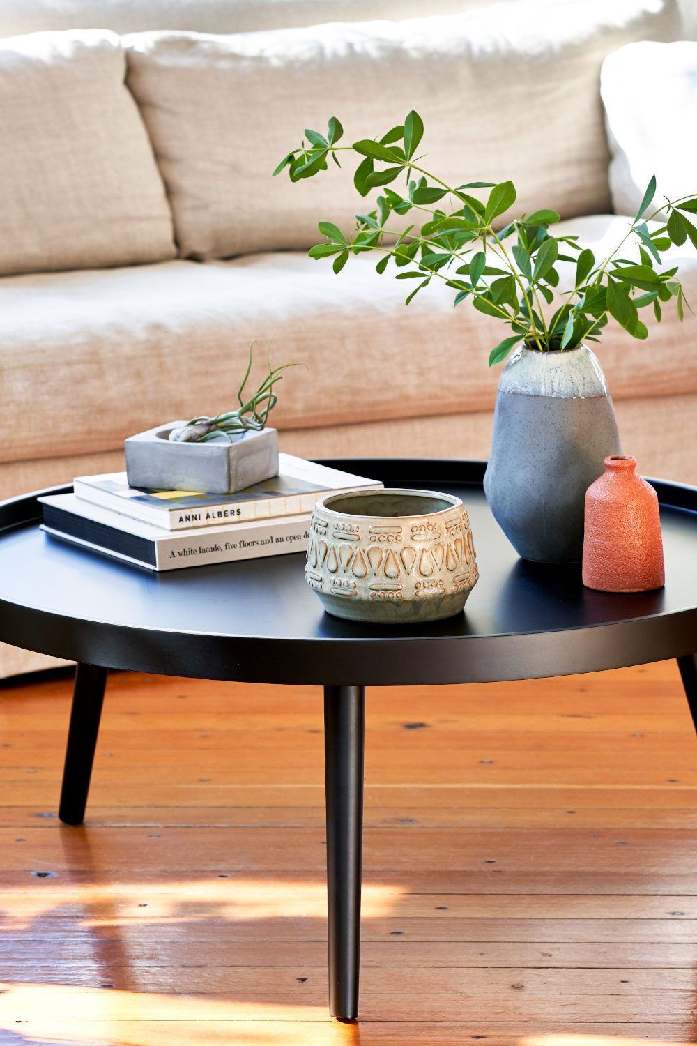 How To Style A Coffee Table By Shape Coffee Table Table Decor Living Room Rectangle Dining Table [ 1500 x 1000 Pixel ]
