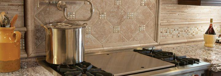 Photo Features Delicatos White Granite Slab. Backsplash Features  Mediterranean Ivory Travertine Chair Rail, 3