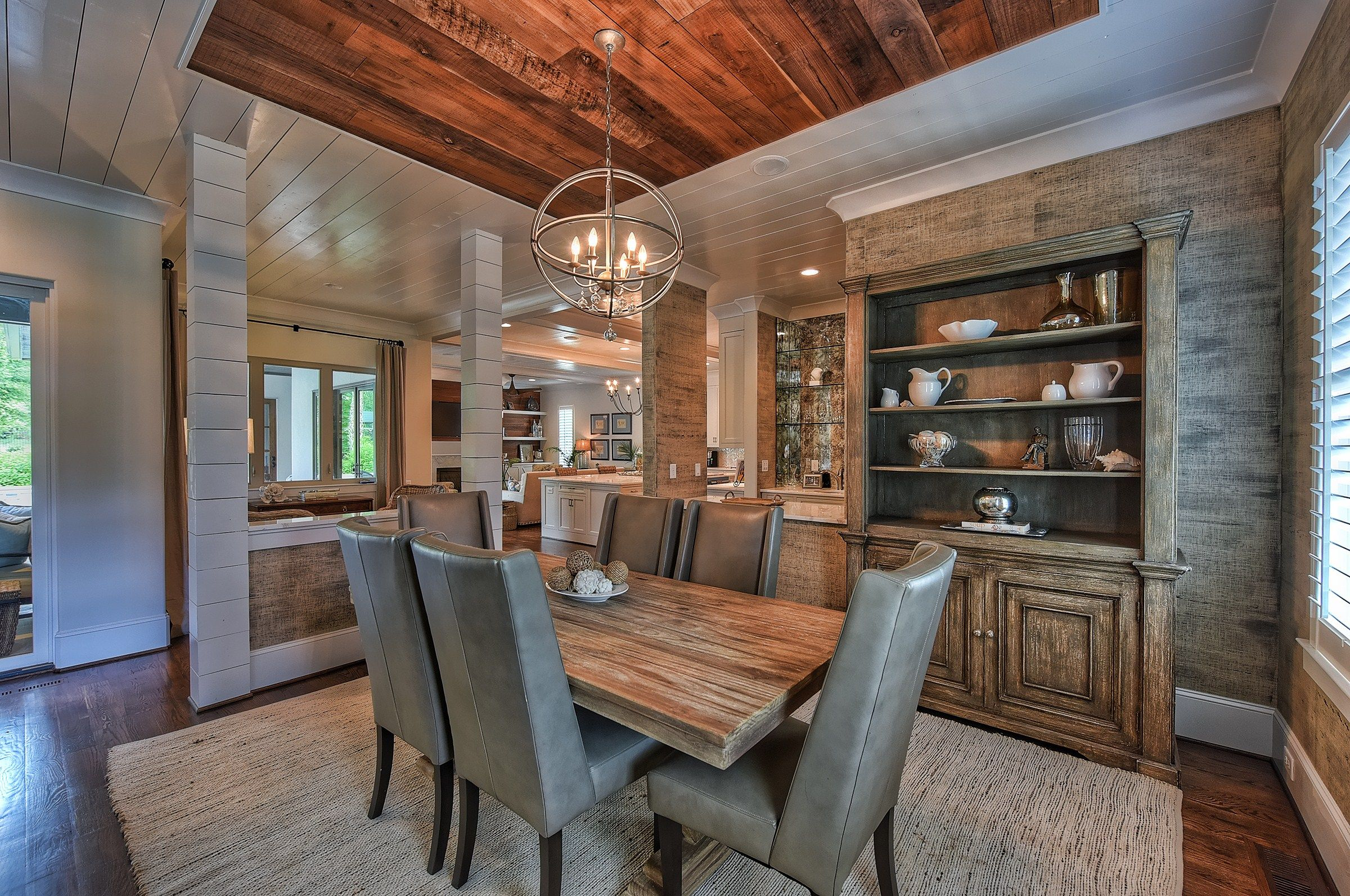 A gorgeous dining room by Southern Cottage Corporation. No ...