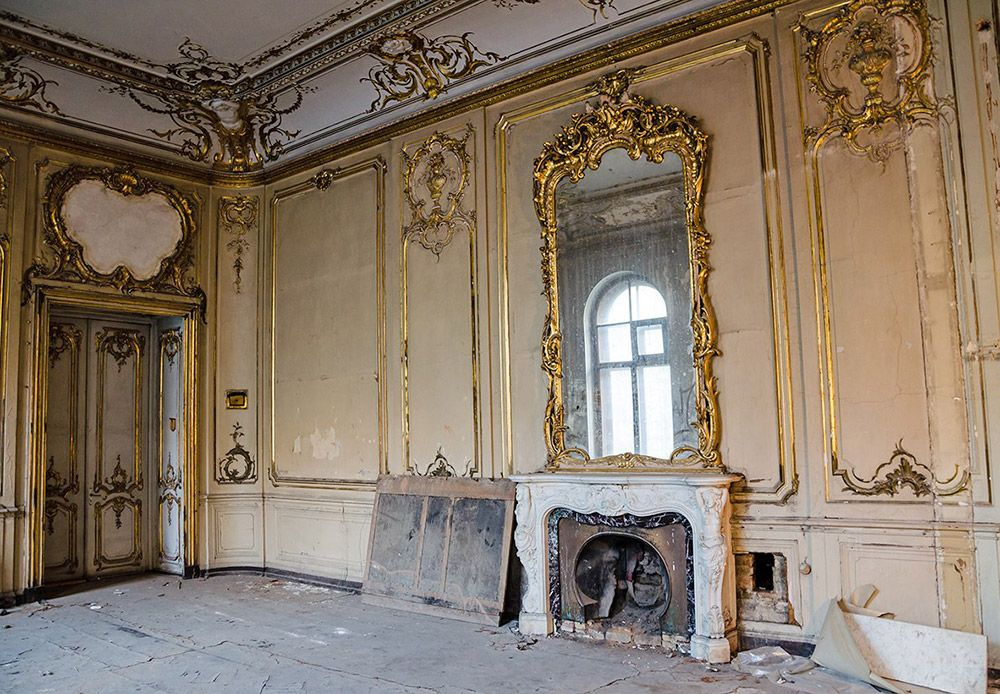 Surviving Interiors of the Palace of Grand Duke Paul Alexandrovich, youngest son of Tsar Alexander II and changed hands over time. When the revolution ended, the mansion was sold to the Russian Society for the Production of Equipment and Military Supplies. These days, the building is at the disposal of Saint Petersburg University