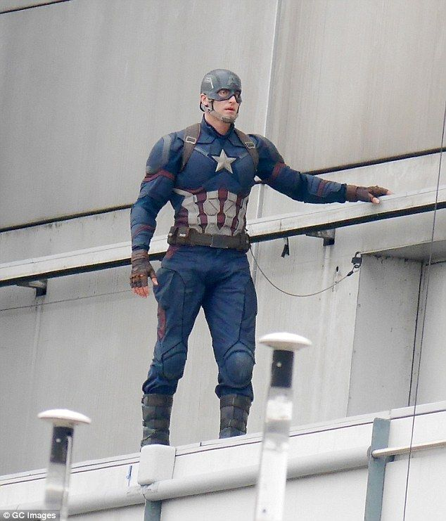 Stunt double - First Set Photos of Winter Soldier and Black - double first