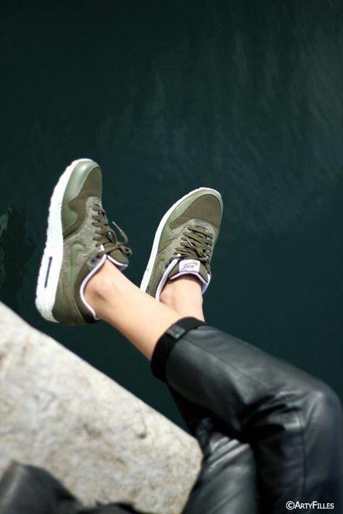 Nike kaki | Chaussures de course nike, Chaussure nike pas cher ...