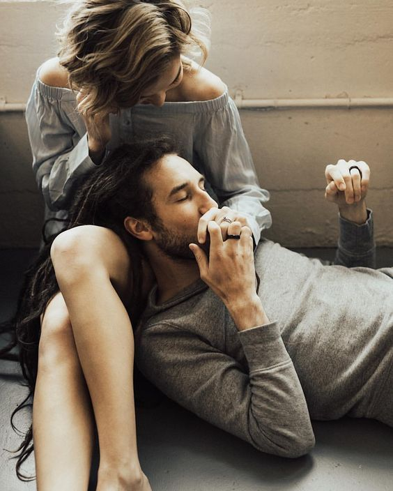 Pin By Marty On Amour Couple Photography Cute Couples Couples Intimate