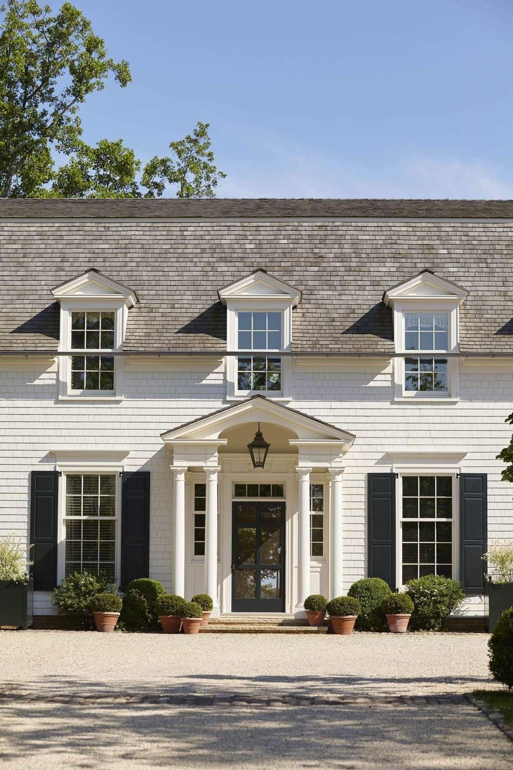 32 Stunning American House Architecture Design Ideas That Most People Look For American Houses Colonial Exterior Colonial House