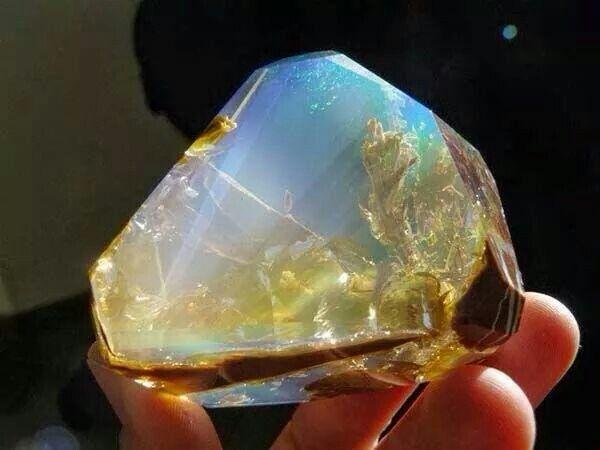 b0136b2eb Looks like an underwater scene inside an opal. Cool Rocks, Beautiful Rocks,  Beautiful