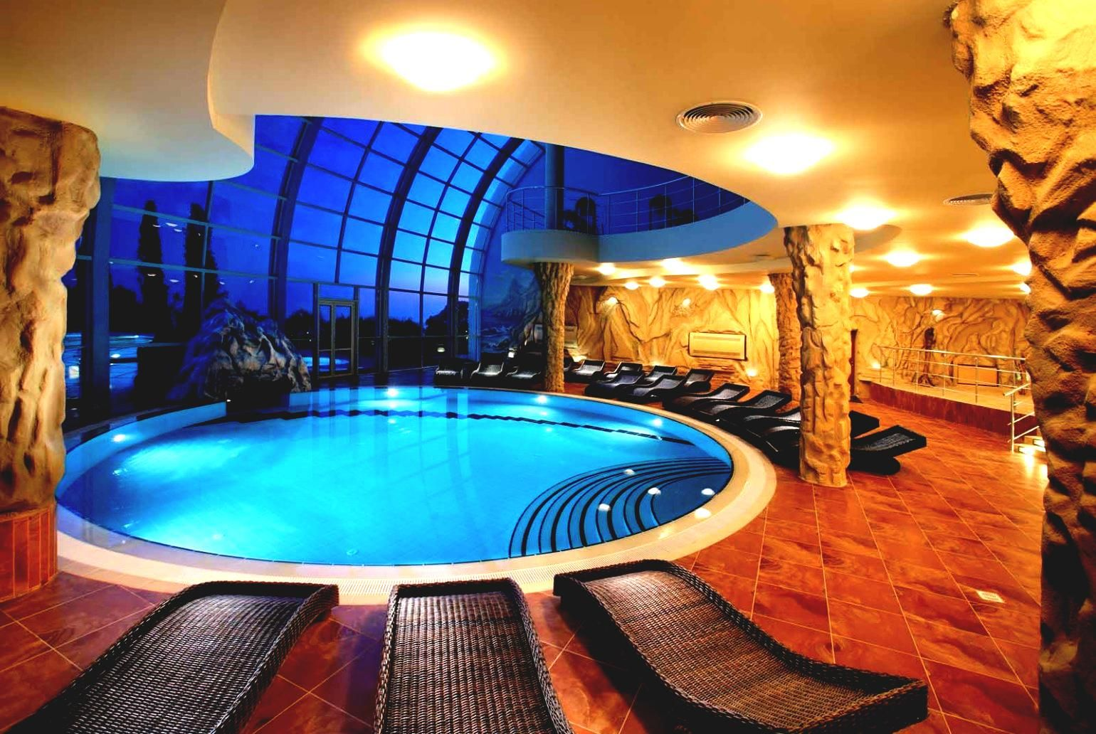Luxury Indoor Pools Luxury Home Designs With Indoor Pool On Pool - Luxury-swimming-pool-design