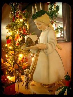 Sweden Saint Lucia S Day Santa Lucia Day Is A Festival Of Light Celebrated In Swedish Homes And Schools On One Santa Lucia Day St Lucia Day Norway Christmas