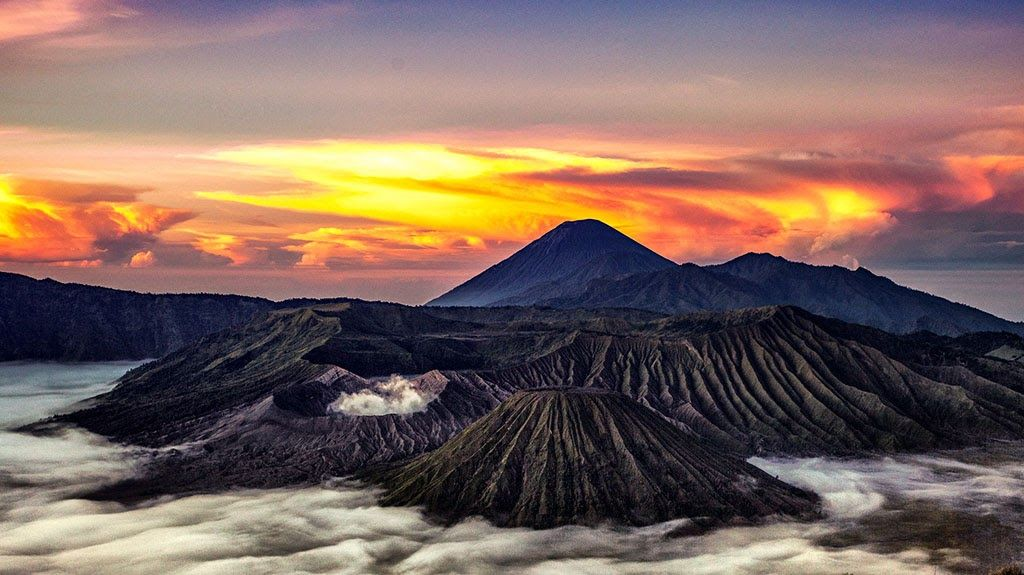 Gambar Gunung Terindah Di Dunia Gambar Gunung Terindah Di Dunia Gambar Pegununganhttp Pemandanganoce Blogspot Com 2017 10 Gam Warna Air Pemandangan Indonesia