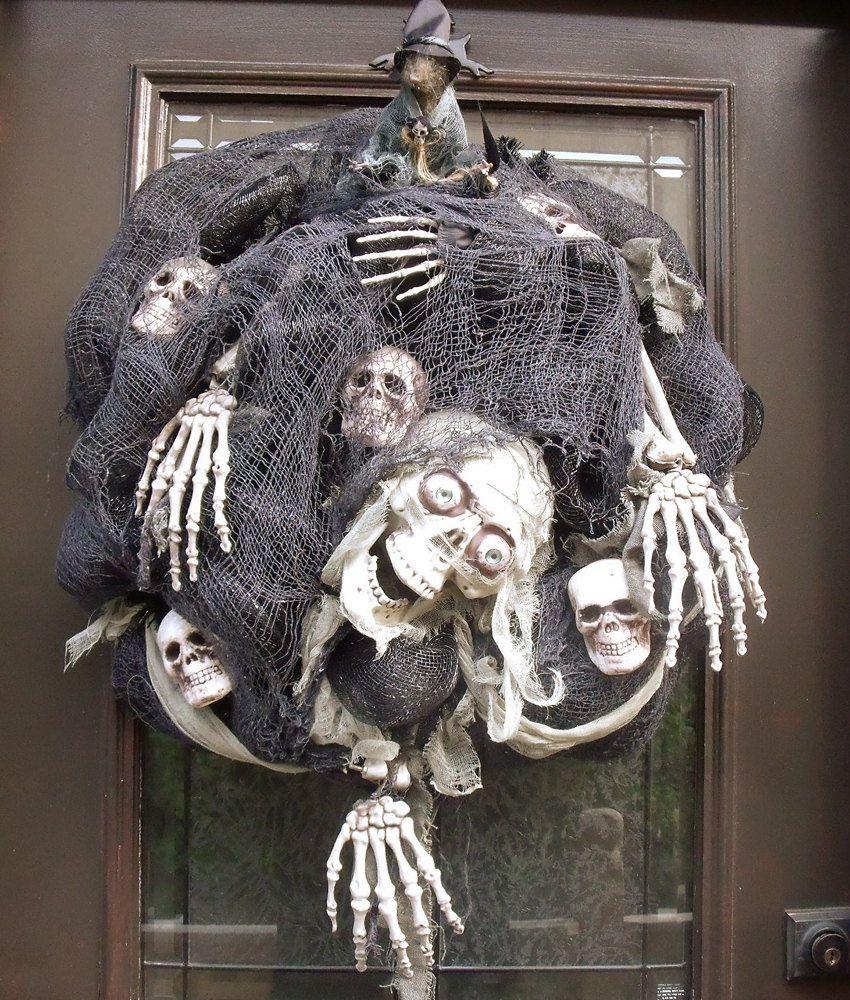 Skeleton Wreath, Creepy Halloween Wreath, Skull Halloween