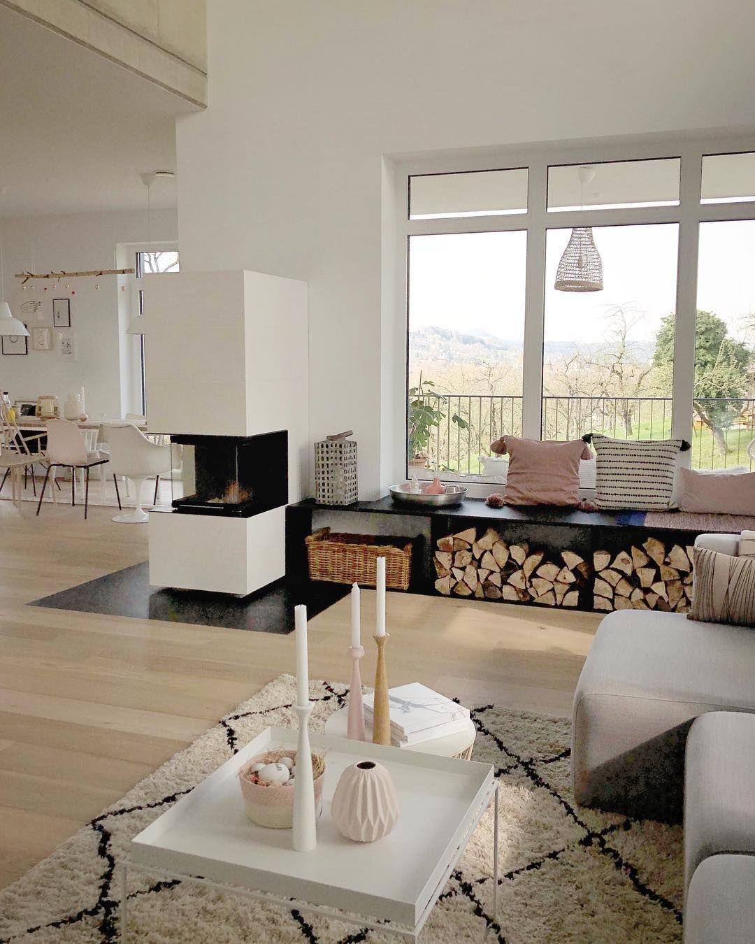 Sitzbank Am Fenster Gleichzeitig Als Ablage Fur Korbe Mit Kissen Etc Wohnzimmer Ideen Gemutlich Wohn Esszimmer Wohnen