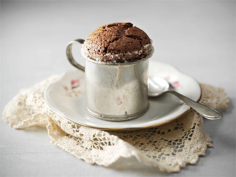Klassisen suklaakohokkaan tärkein muistisääntö: vieraat odottavat jälkiruokaa, ei koskaan toisinpäin! http://www.valio.fi/reseptit/suklaakohokas/