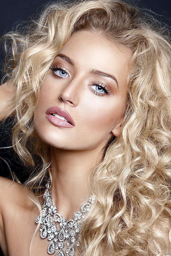 Beautiful Blonde Hair Stunning Eyes Hair Beauty Make Up