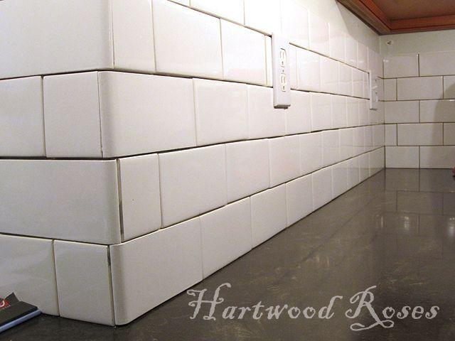 Hartwood Roses Workday Weekend Tutorial Tiling The Backsplash Outer Corner Small Bathroom Inspiration Diy Kitchen Remodel Master Bathroom Design