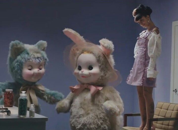 The New Music Video For Madhatter Just Came Out To Day Crybabies Its On Youtube Enjoy Crybaby Melanie Martinez Melanie Martinez Cry Baby