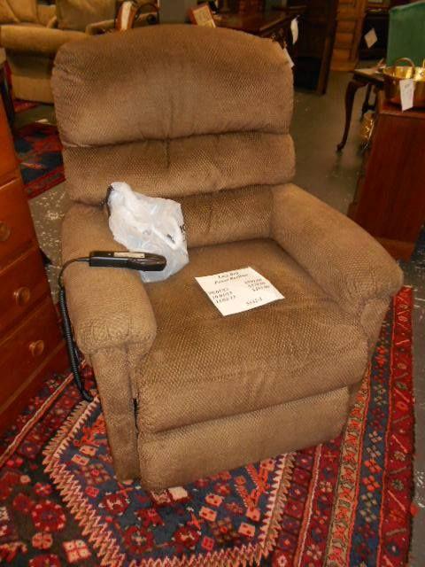 Lazy Boy Design A Room: LAZY BOY POWER RECLINER $599.00 5532-1 Www.fb.com