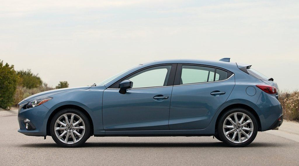 2017 Mazda 3 Side View Blue Color Alloy Wheels Jpg 1024 569 Best Family Cars Dream Cars Mazda Mazda3