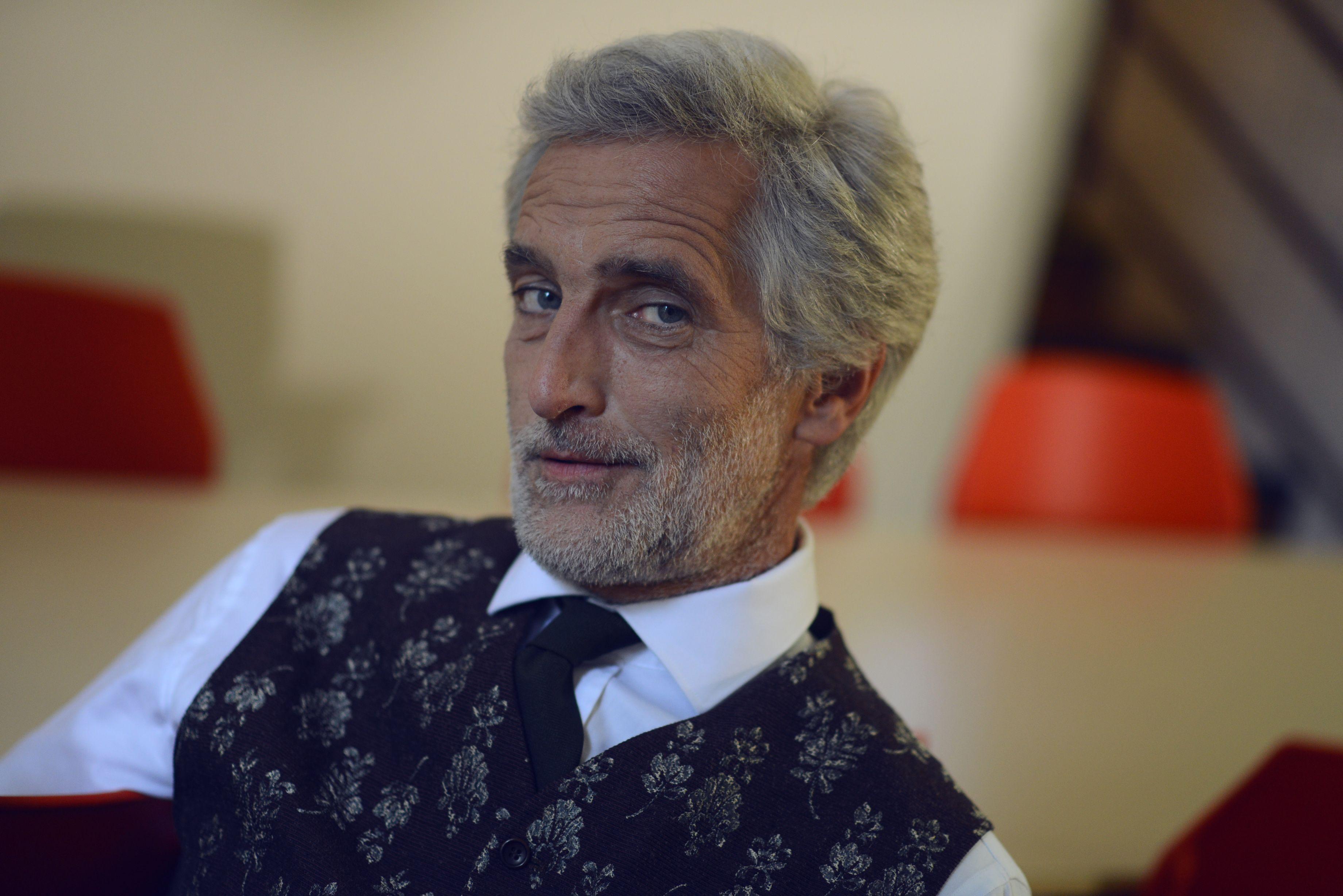 Tomas Hanak Film Lovci A Obeti Floral Tie Fashion Tie