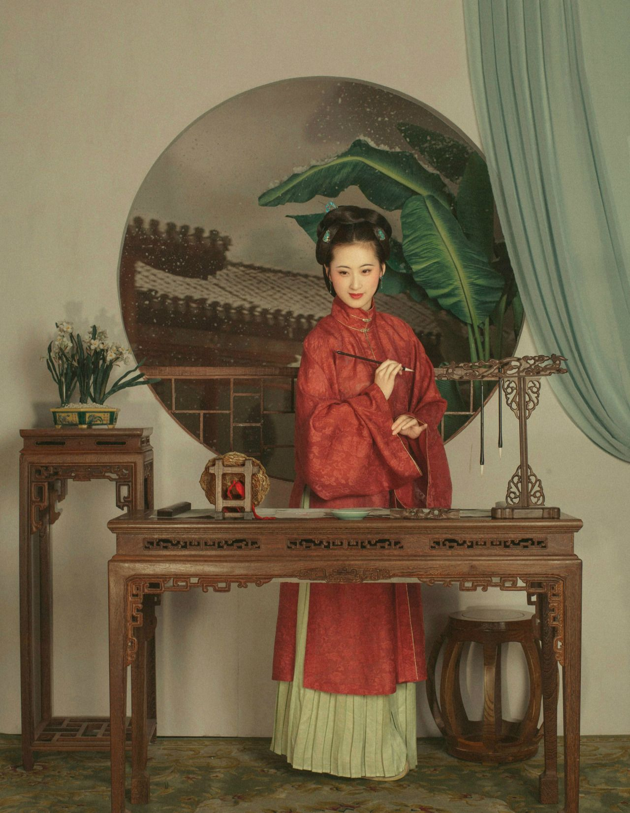 Traditional Chinese fashion in Ming dynasty style. Photo 潤熙陳 | Clothes 擷秀
