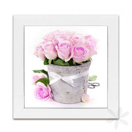 """ROSAS. Evita que tus paredes se vean vacías con este precioso y decorativo cuadro con marco, diseño """"Rosas"""". Lámina impresa y protegida con cristal. Disponible en seis modelos diferentes. Sin arte la vida sería un error... #CuadroConMarco #Decoración"""