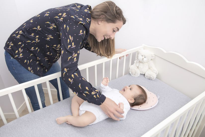 Lovenest Flat Head Baby Pillow | Baby pillows, Baby head support ...
